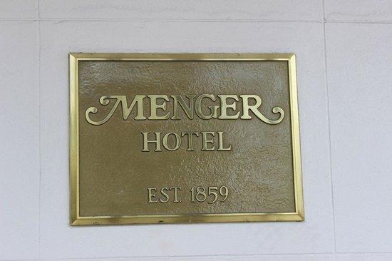 Menger Hotel: Menger Sign out Front