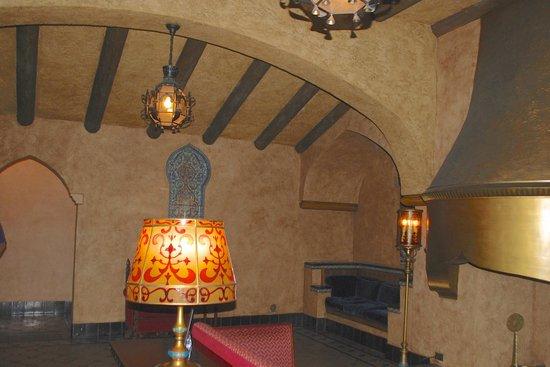 Fox Theatre: The gentlemen's lounge