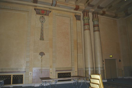 Fox Theatre: Pillars in the Egyptian room