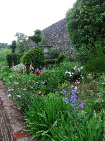 Plas Cadnant Hidden Gardens - Upper garden 5