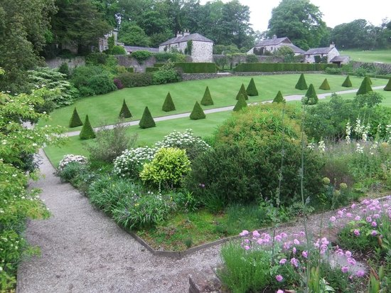 Plas Cadnant Hidden Gardens - Upper garden 4
