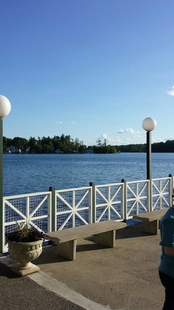Canobie Lake Park: The water is crystal clear