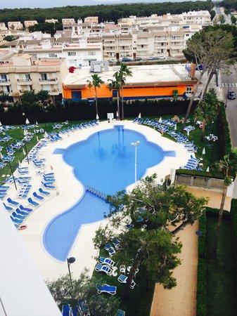 SuneoClub Haiti: Pool