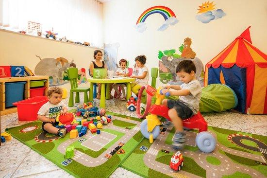 Sala Giochi Bimbi : Hotel per bambini trentino sala giochi e mini club