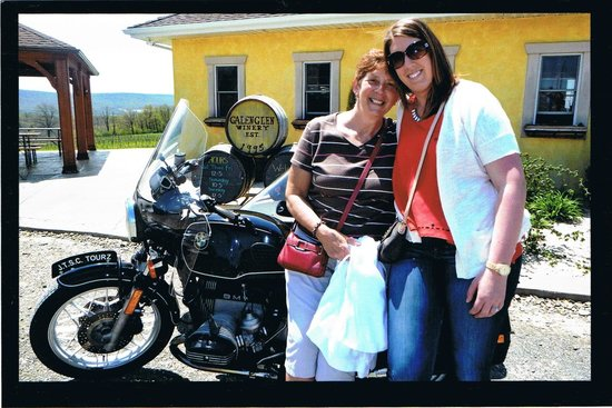 Jim Thorpe Sidecar Tourz : Mother's Day at Galen Glen Vineyard & Winery.