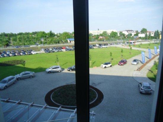 Grand Hotel Tiffi: Car park view