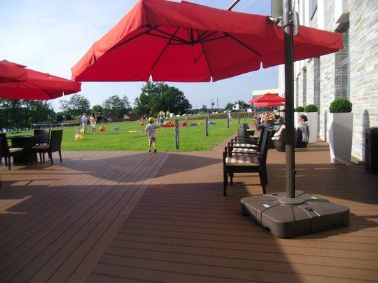 Grand Hotel Tiffi: Playground by the hotel lobby bar