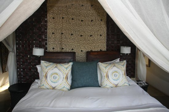 Madikwe Hills Private Game Lodge : Bed