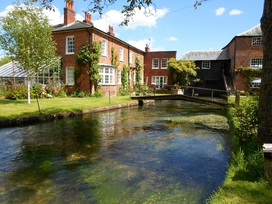Whitchurch Silk Mill: Silk Mill and River