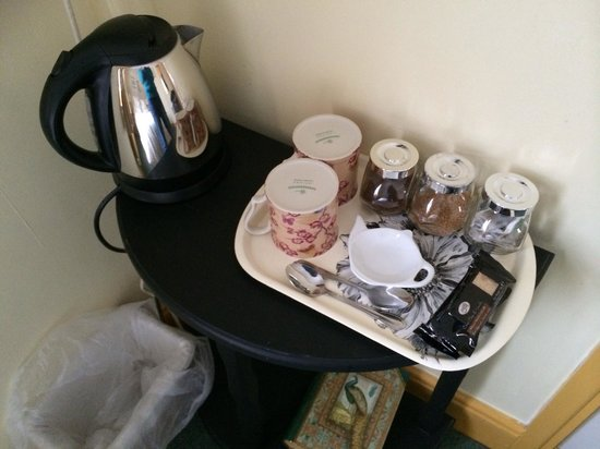 Beverley Guest House: Tea & Coffee