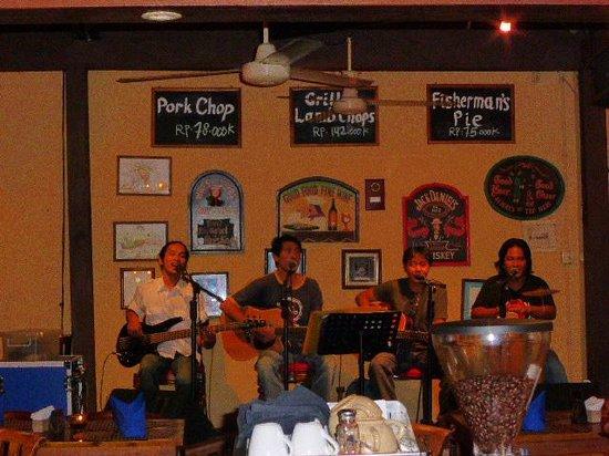 Cat & Fiddle: Irische Band