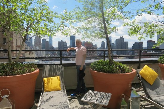 Hudson Hotel New York : Father in law on the Sky Terrace/bar