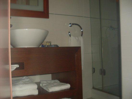 Hôtel Westside Arc de Triomphe : bathroom