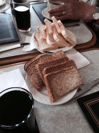 Steels CornerHouse Restaurant: Lots of bread , it always taste so good , the kids  can not  wait to get stuck in