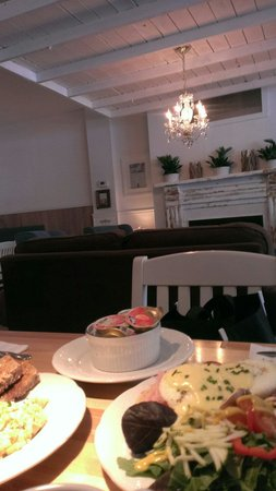 Leonhard's Cafe & Restaurant: Good food and beautiful place