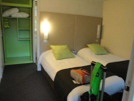 Campanile Bordeaux Nord - Le Lac : Confortable habitacion en muy buen estado de mantenimiento