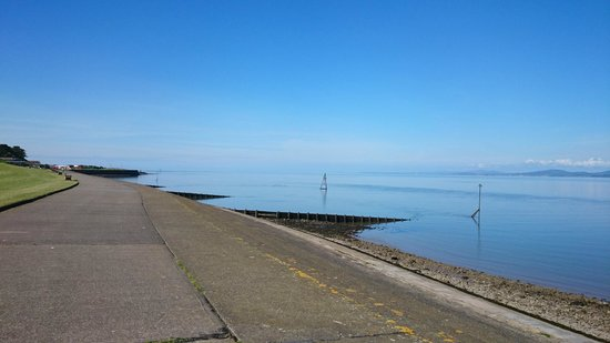 Solway Holiday Village: Silloth promenade