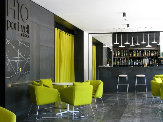 H10 Port Vell : Bar