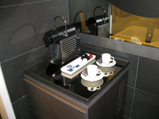 H10 Port Vell : Coffee Machine