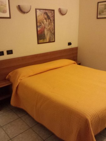 Hotel Marinoni : Bedroom