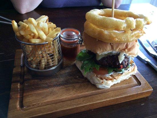The Bank House: Steak burger