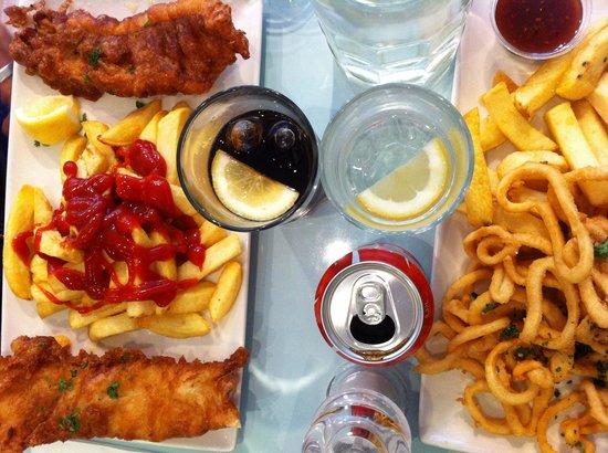 Quinlans Seafood Bar: Calamari e merluzzo