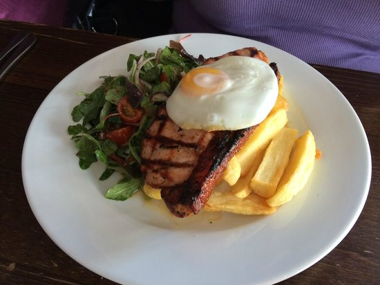 The Bank House: Gammon and egg