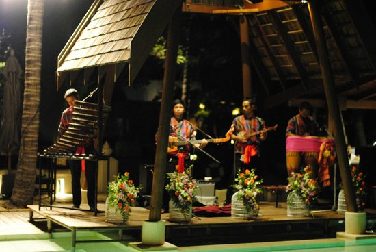 SALA Samui Choengmon Beach Resort: Local entertainment in the resort
