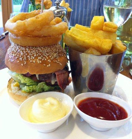 Fonab Castle Hotel Brasserie : Fonab Burgers!