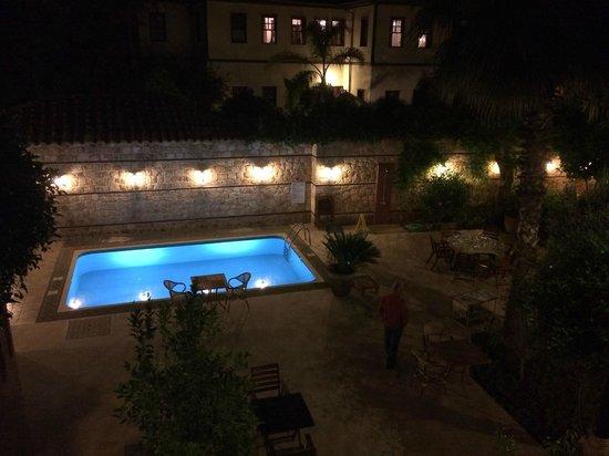 Kaucuk Hotel : The pool area.