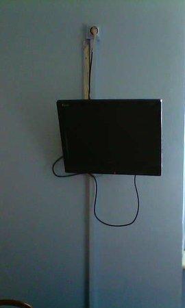 Hotel Confort: installation vétuste de la TV