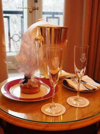 Hotel Ritz, Madrid: Welcome Amenities