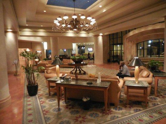 Sheraton Crescent Hotel: Lobby