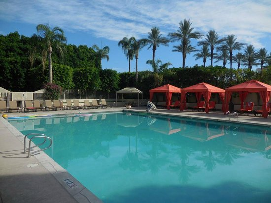 Sheraton Crescent Hotel: The pool, open from 5am through 10am