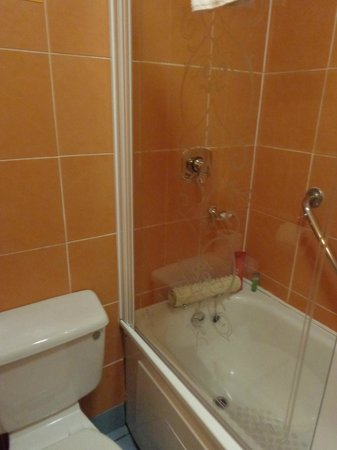 North Star Hotel: Bathroom