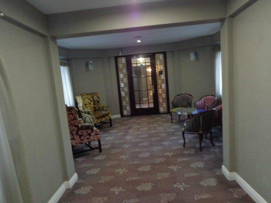North Star Hotel: Hall