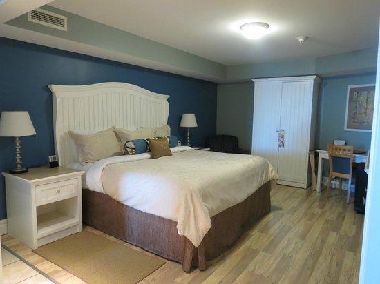 Watkins Glen Harbor Hotel: Bedroom