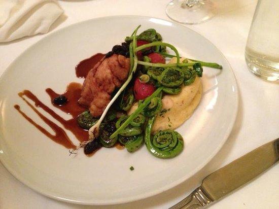 Restaurant Laloux : Ris de veau, polenta crémeuse, tête de violon