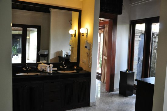 The Ubud Village Resort & Spa: Salle de bain