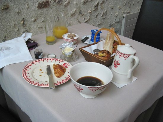 """La Chaumiere Hotel-Restaurant : Breakfast with coffee """"bowl"""""""
