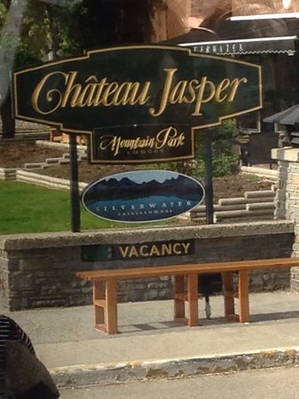 Chateau Jasper: A warm welcome!!