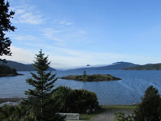 Outlook Inn on Orcas Island : This was the view from our room.