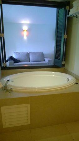 Sandos Caracol Eco Resort: vasca con idromassaggio