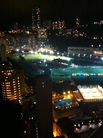 Crowne Plaza Hotel Hong Kong Causeway Bay : vue depuis le bar du 27ème étage