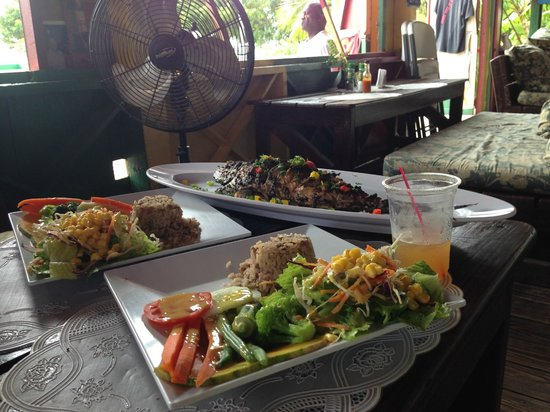 Beach Addiction St. Kitts Nevis: Fresh Fish Lunch @ Sunshine's
