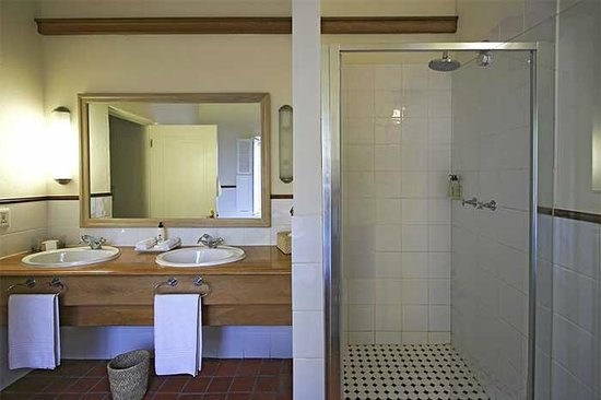Spier Hotel: Bathroom