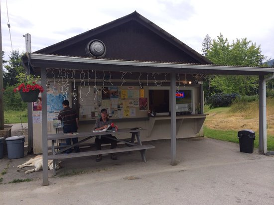 The Snack Shack At Saltery Bay: The Place at Saltery Bay