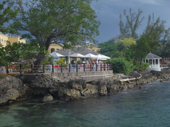 Jewel Paradise Cove Resort & Spa Runaway Bay, Curio Collection by Hilton: From the dock