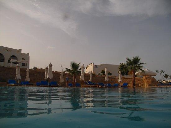Hilton Marsa Alam Nubian Resort: view from pool