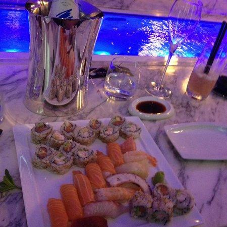 Romeo Hotel: Restaurant de sushis
